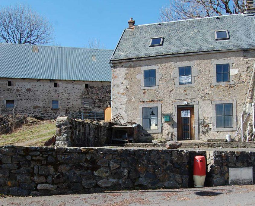 A vendre : Maison dans le bourg avec cour
