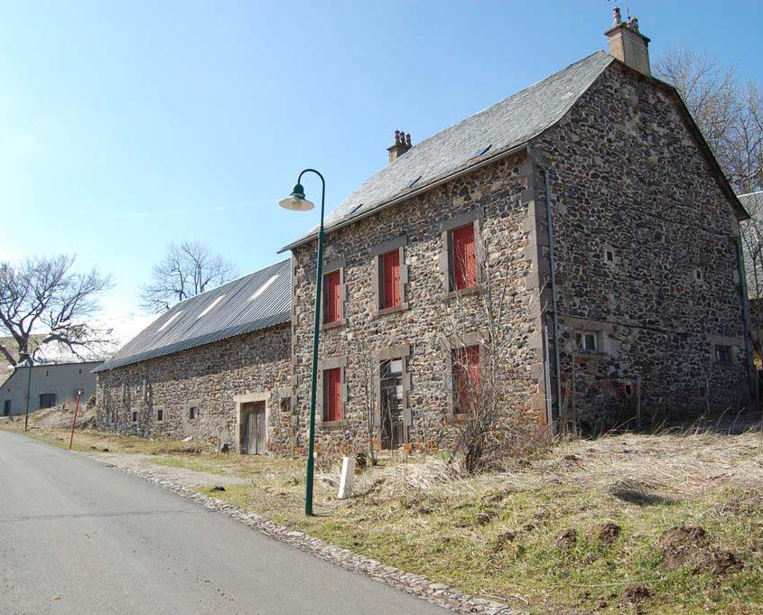 A vendre : Maison avec grange, garage et terrain